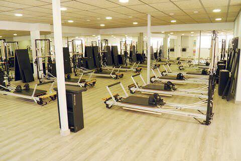 dona10 clases de pilates y yoga barcelona